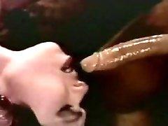 אחד הטוב ביותר גרון עמוק קטעי וידאו - לבן ענק זין