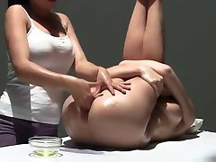 Multiorgasmic Erotisk Massasje med olje