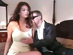 एशियाई लड़की कमबख्त के साथ पति