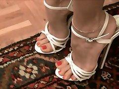 Sehr sexy weiße high heels --- Sexys tacones blancos