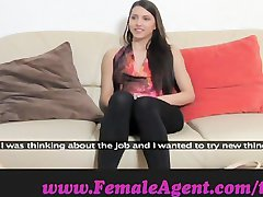 Femaleagent. Neitsi lesbi
