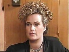 ट्रिनिटी Loren एक रबर प्रसंग में