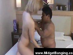 Midget sucked by a pretty blonde