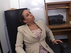 Hot Busty Secretary Alisandra Monroe Knallte in Office
