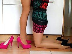 Crossdresser z ženo v pantyhose ( presenečenje iz ženo )