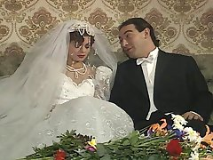 Angelica Bella e Zara Whites in un classico film italiano