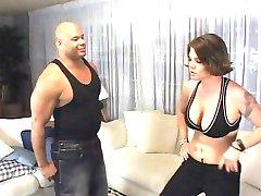 horny девушка борется черный член