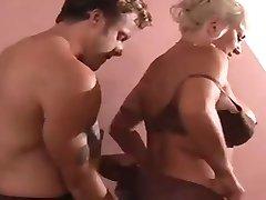 סקסית חזה גדול סבתות