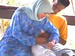 malaio-tudung hijab baju kurung bj kat pondok