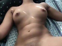 Beautyful पत्नी चूसने और कमबख्त के साथ जोर से कराह रही