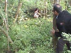 LAETITIA ATOMIX ranskan MILF metsässä