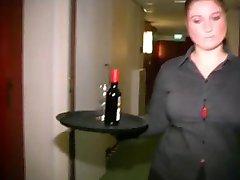 שמנמן הולנדית עובדת מלון