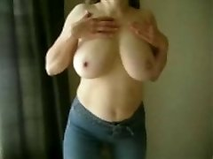 MarieRocks, 50+ MILF - Store Pupper Toppløs i Jeans