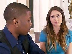 Babysitter verführt von einem Schwarzen Paar. Y & B