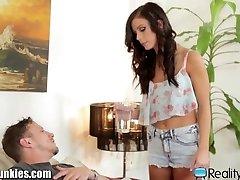 Podvádzanie Manžela šuká Teen Opatrovateľky