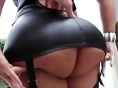 Super-sexy latina with big tits