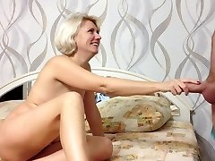 Beauty Russian Amateur Woman Makes Oral Pleasure and Cum in MOuth