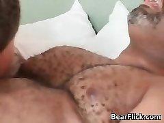 Gay black bear has good hookup as he sucks part6