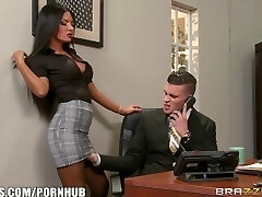 Brazzers - Elicia Solis gets some office fuckin'