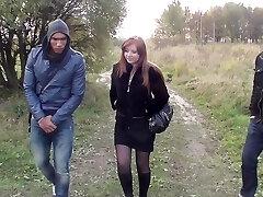 Ponuda u prsata djevojka voli hard Dick u vanjski sex video