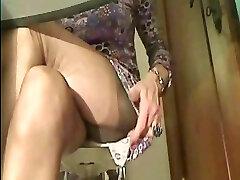 Super sumptuous Stockings legs in cam 1!!!