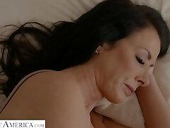Reagon Fox: My Pals Hot Mom