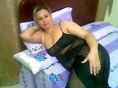 Arab Home Sex - Enormous Butt Round Ass - Chubby Plumper Mature Booty