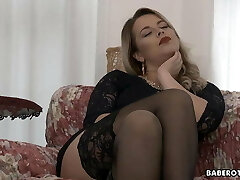 Solo, voluptuous blonde, Nikky Dream is gently wanking,