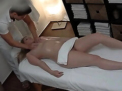 Hot Teen Boinked During Massage HER SNAPCHAT - MIAXXSE