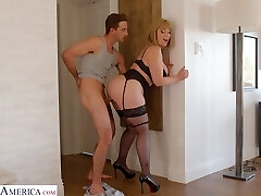 Bodacious mommy in sexy lingerie Sara Jay seduces young stepson