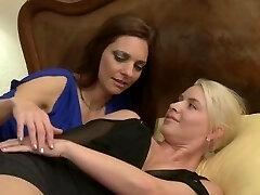 Women Seeking Femmes 119