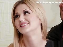 Blondie Wife Lisa Blacked Fucks Stranger