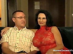 Hot amateur mature blowing and fucking a younger guy