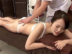 Amazing Japanese girl in Horny Rubdown, MILF JAV clip