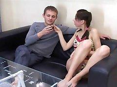 Chudá Julia skúste porno