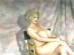 Chessie Moore - Interviewed naked.