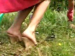 Dirty foot Fetisch draußen