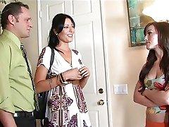 Otec šuká jeho dievčatá opatrovateľky