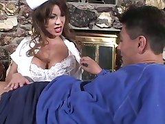 Stora Bröst Ava är Sjuksköterska