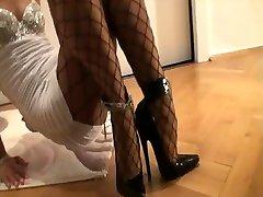 7.5-Zoll-High-Heels - Netzstrumpfhose - Minikleid 2