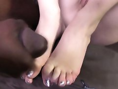 Foot fetish slut cumshot