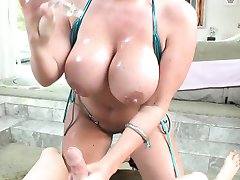 Big titty slut in bikini