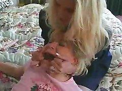 Babysitter Ruft Gefangen!