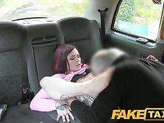 Поддельные такси миниатюрная американская рыжая анальное