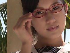 सॉफ़्टकोर एशियाई स्कूली छात्रा ब्रा पैंटी लहंगे में