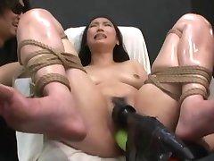 Asiática Feita ao Orgasmo WF