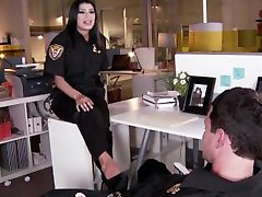 Miya Akmens Footjob Policininkas Fuck