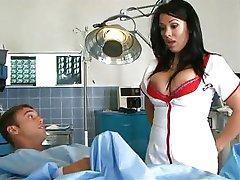 Medicinska sestra z velikimi joški