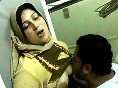 Neverjetno Arabsko Dekle Vraga