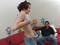 Ana runāja uz porno ainas